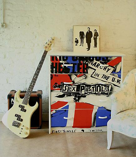 Punk-dresser