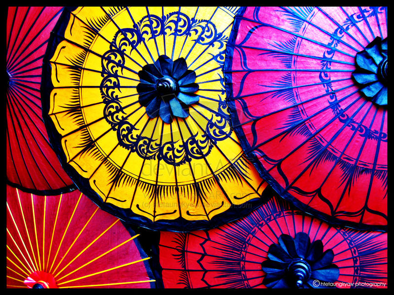 Traditional_Umbrella_by_htetaungkyaw